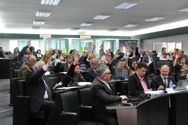 Skopje votes to twin with Sofia