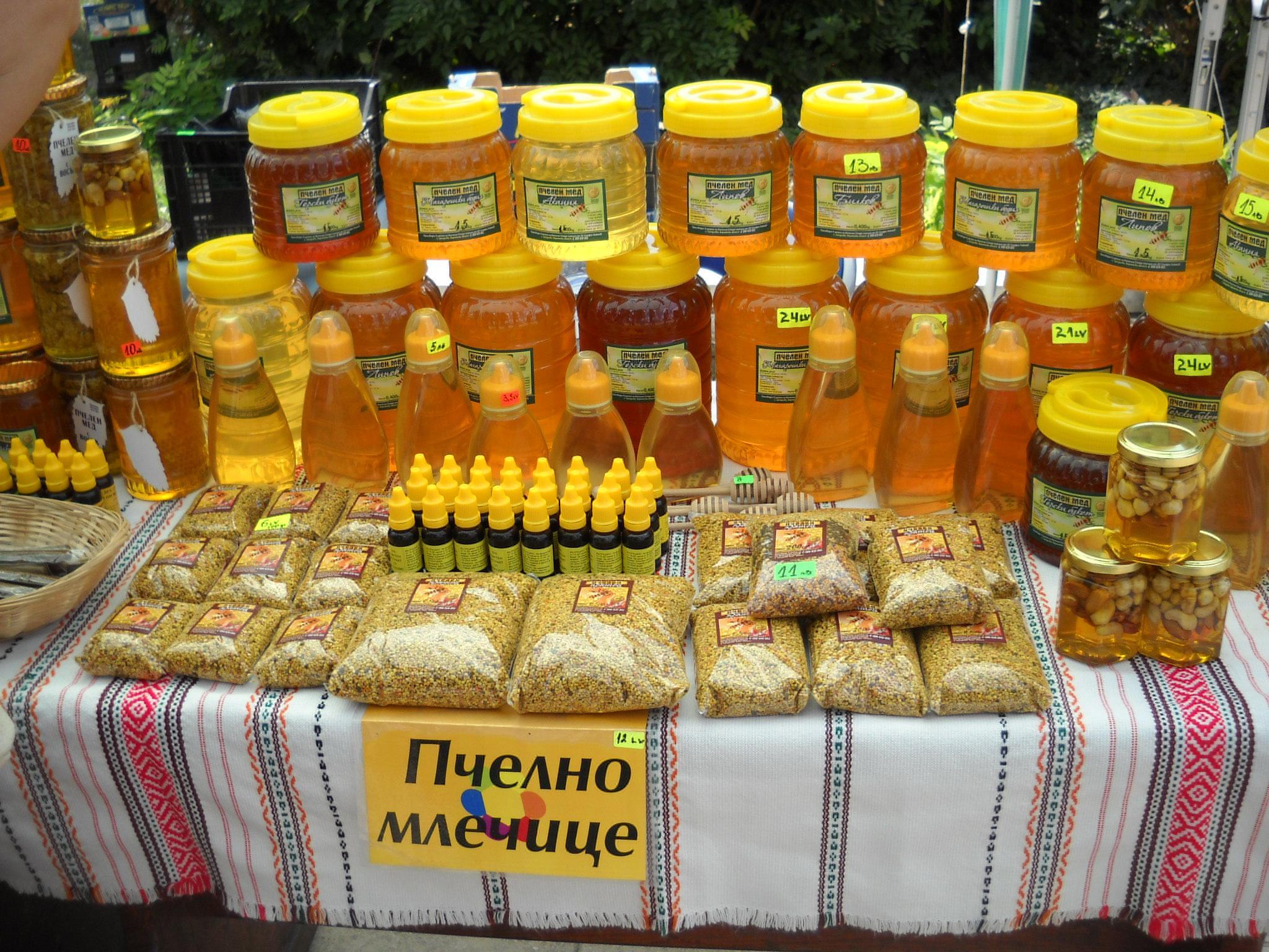 Bulgarian exports up but trade balance remains negative