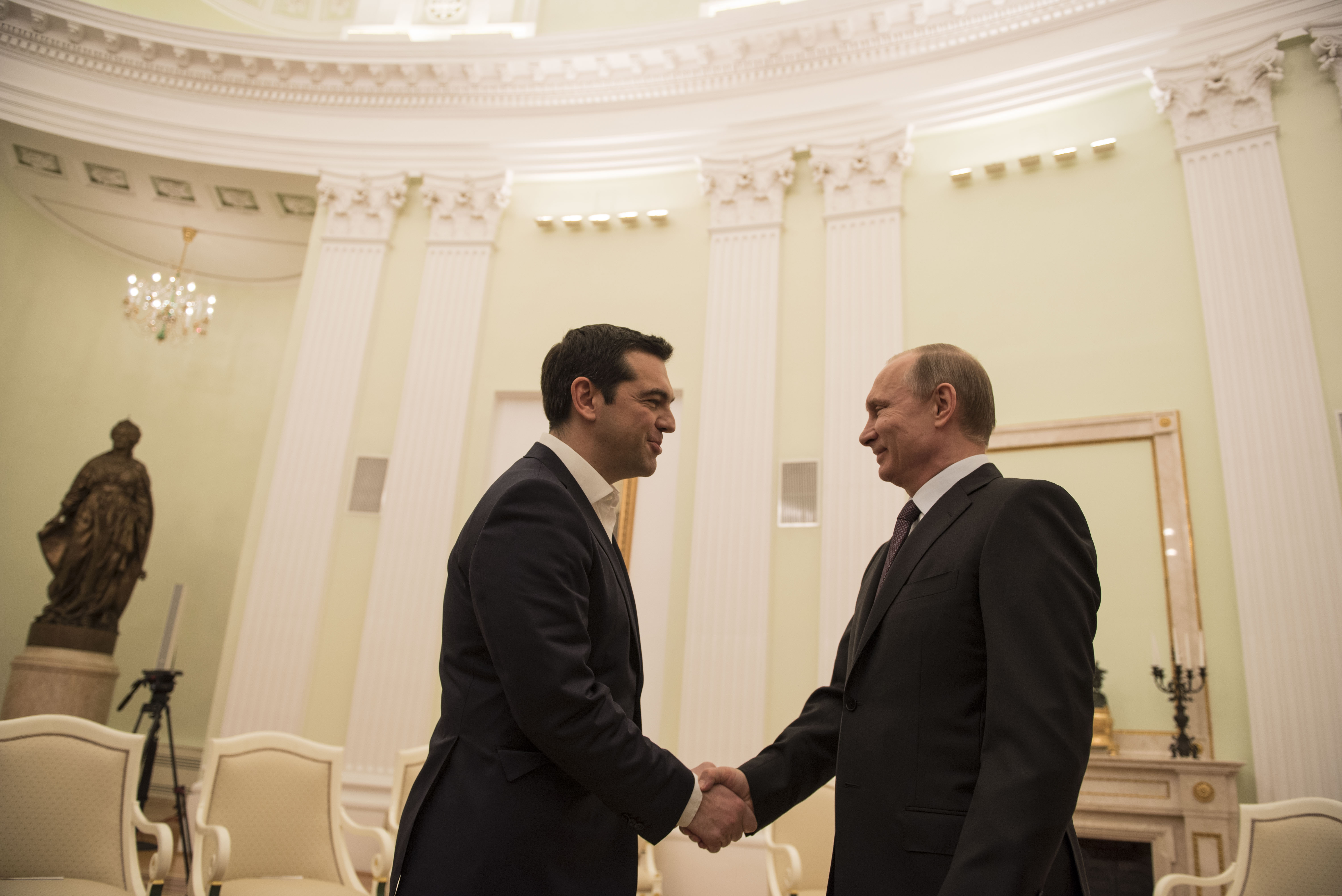 Tsipras secures Putin promise of closer cooperation