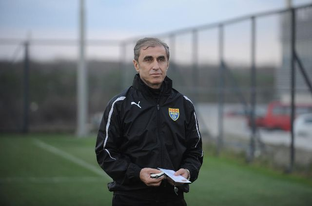 FYROM's football association removes the national side's coach
