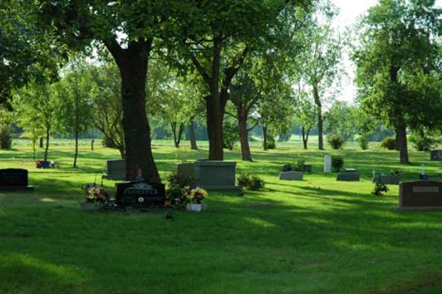 The government decides to open the first private cemetery in Albania