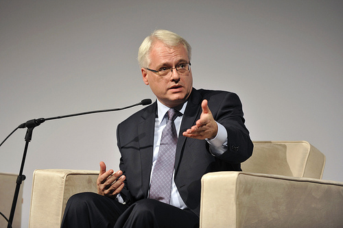 Josipovic announces decision to stay in politics to finish reforms
