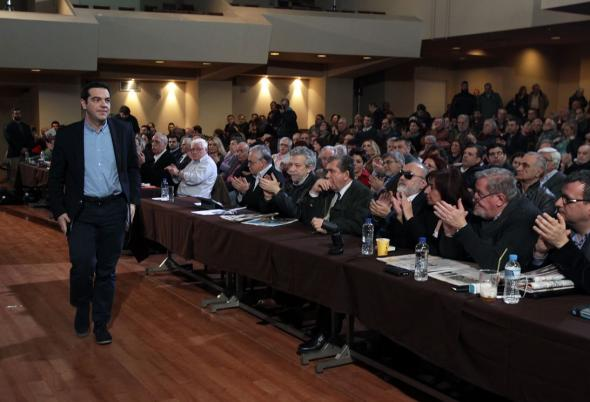 Syriza central committee votes in favor of agreement with creditors