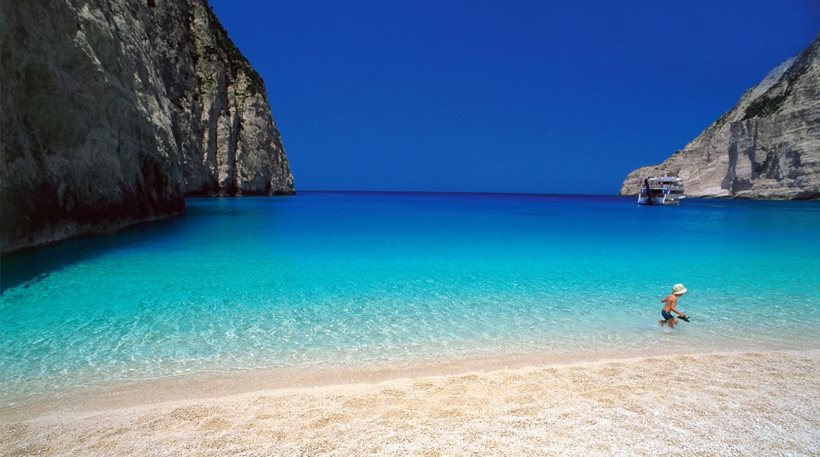 """Greece third in the world in """"Blue Flag"""" beaches"""