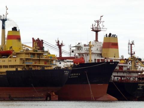 Bulgarian exports increase, but trade balance still negative