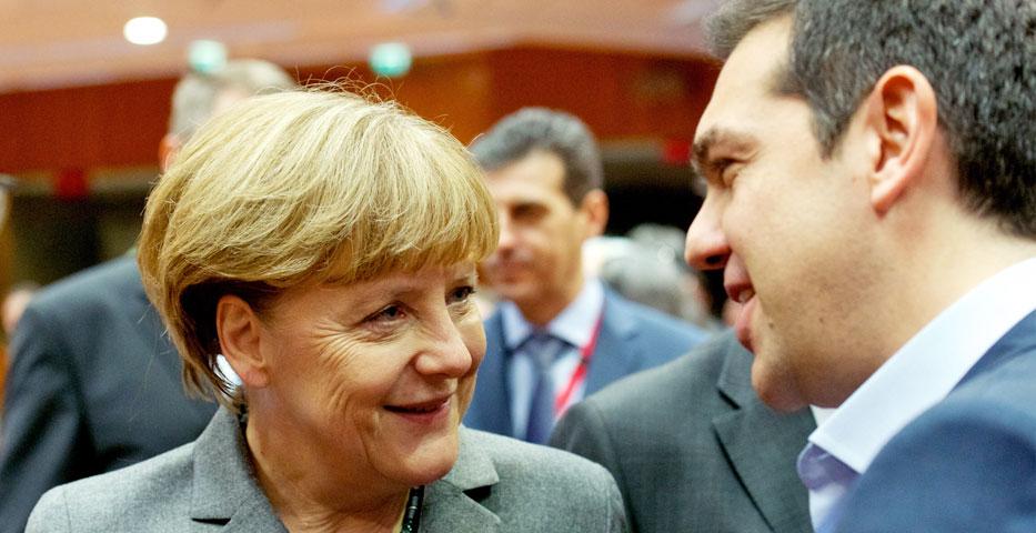 Strong pressure on Merkel to abandon Greece