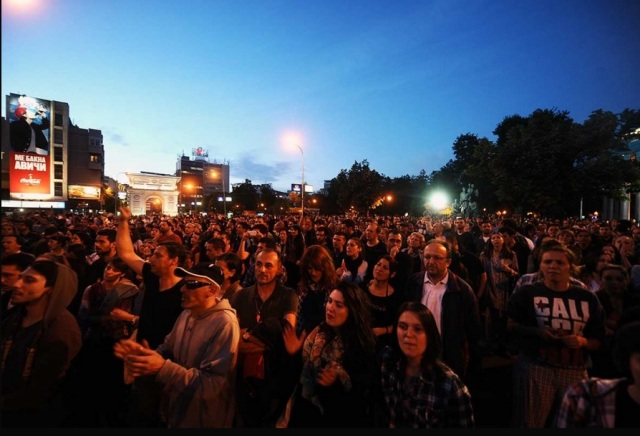 Third day of protests without incidents, calls for the government to resign