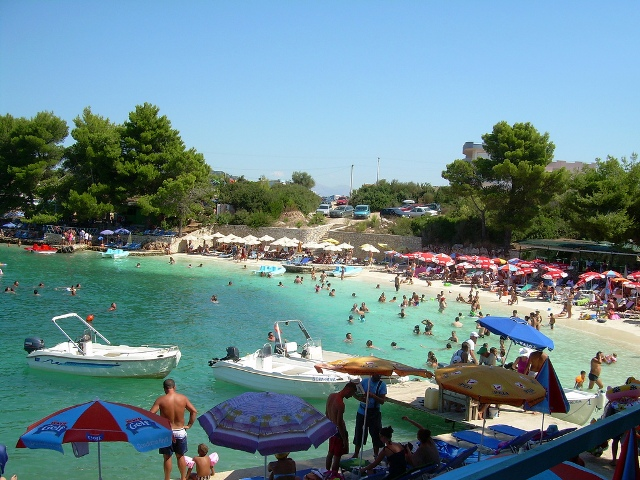 VAT for tourism in Albania goes down to 10%