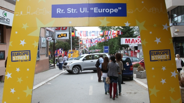 Despite being isolated, citizens of Kosovo celebrate the European Day