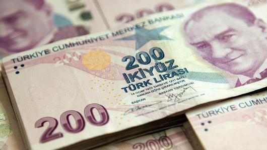Turkish PM, main opposition leader lock horns over economy