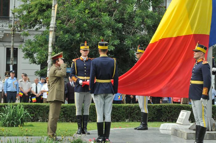 Romania hoists the largest national flag in so-called Szekelyland