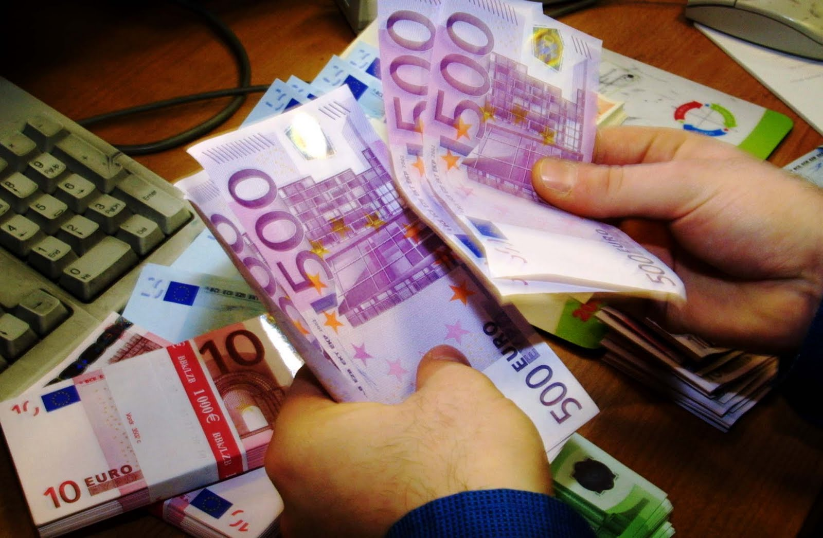 State budget: EUR 1.5bn primary surplus in the first 5 months