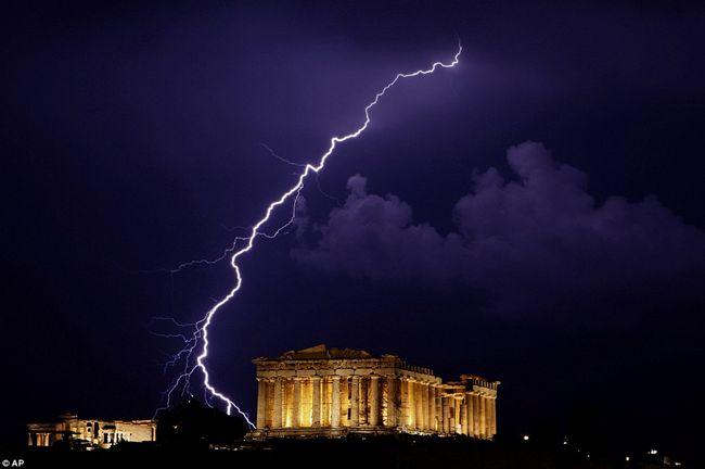 Süddeutsche Zeitung: Partners have emergency plan for Greece