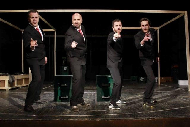 """""""Bouncers"""" comedy brings back a smile in Kumanovo"""