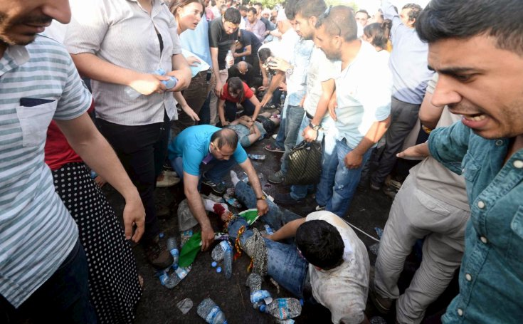 Two dead, 150 injured in an explosion at an electoral rally of the HDP