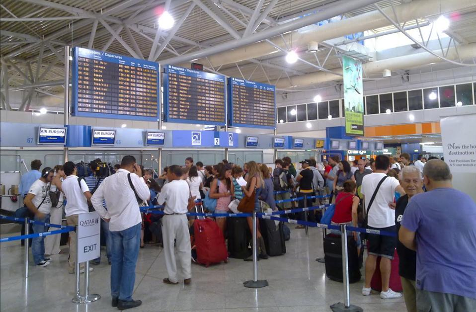 """Passenger traffic at """"Eleftherios Venizelos"""" increased by 23.7%"""
