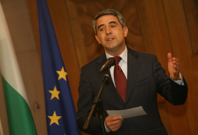 Plevneliev briefs EU envoys, PACE representative on referendum plan