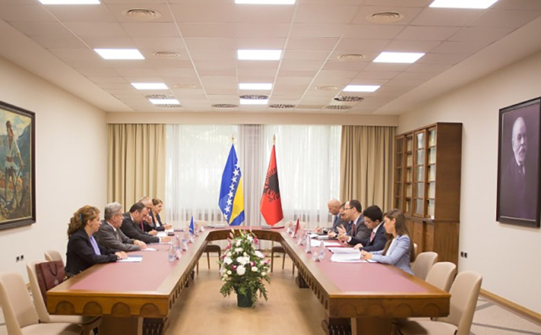 Albania backs the integration of Bosnia and Herzegovina and demands Kosovo's recognition