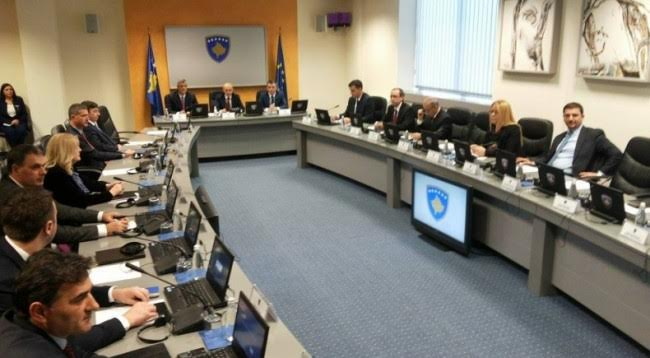 Kosovo's government reprocesses the amendments for the Special Tribunal