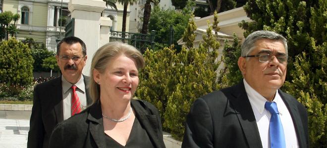 House arrest for Michaloliakos-Zaroulia lifted