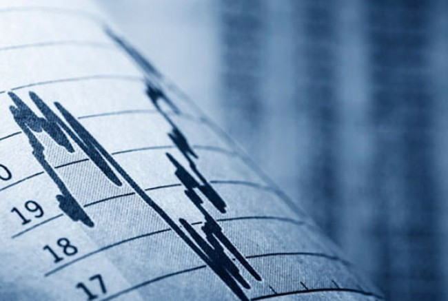 IOBE: Greek economy to sink back to recession
