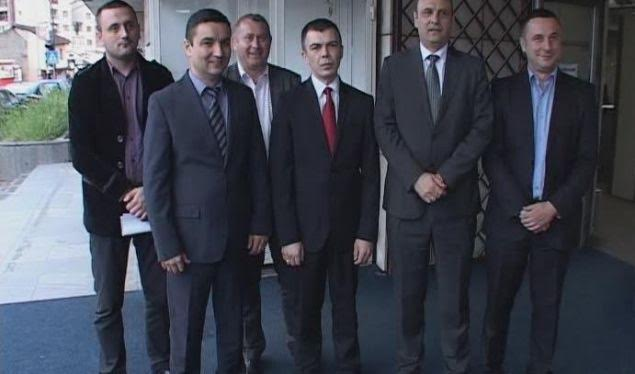 Serb  MPs against the creation of the Kosovo Army