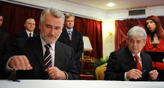 Albanian political parties in FYROM debate on the agreement for the solution of the crisis
