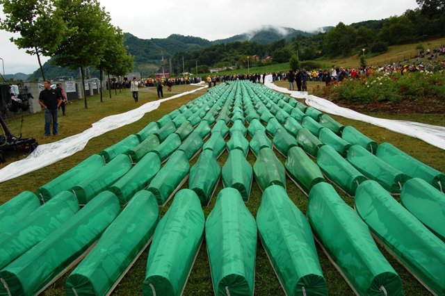 Tensions rise in the eve of Srebrenica anniversary