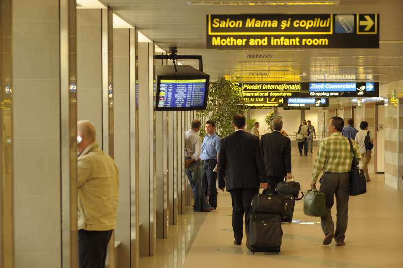Romania sets up body overseeing air passengers' traffic