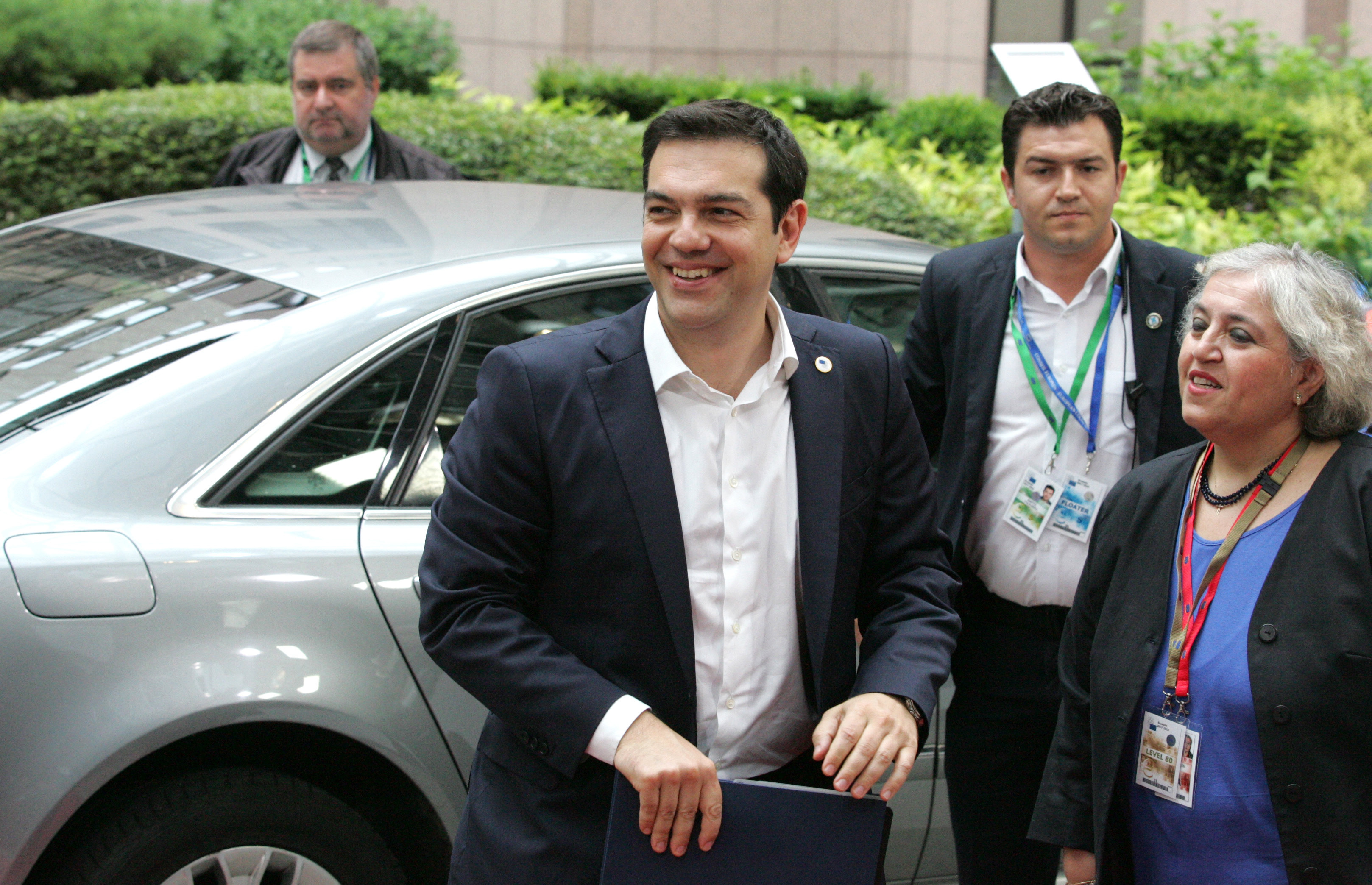 Tsipras speaks today before the plenary of the European Parliament