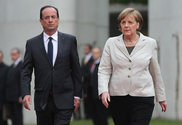Hollande-Merkel to meet after the referendum in Greece