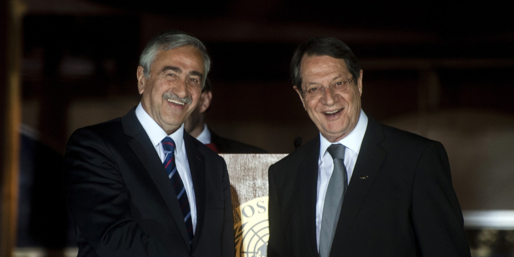Cypriot leaders resume negotiations with property issue