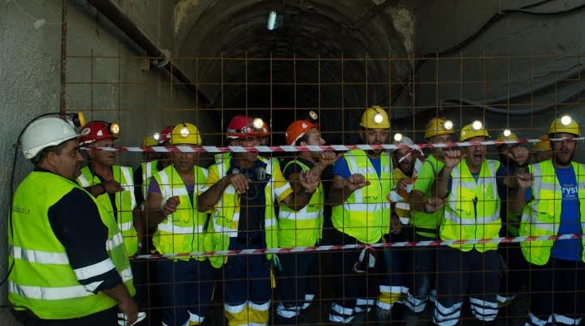 Thirty miners sealed themselves in a mine gallery at the goldmine in Skouries