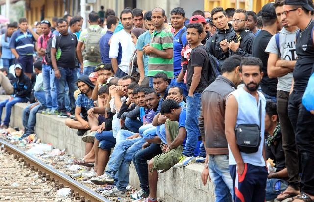 Crisis with refugees in FYROM