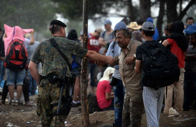 Tense situation with refugees in the southern border, police officer stabbed to death
