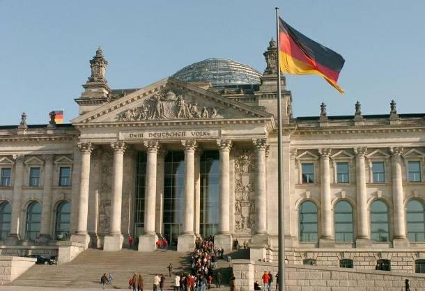 Leibniz: Germany won EUR 100 bn from the Greek crisis