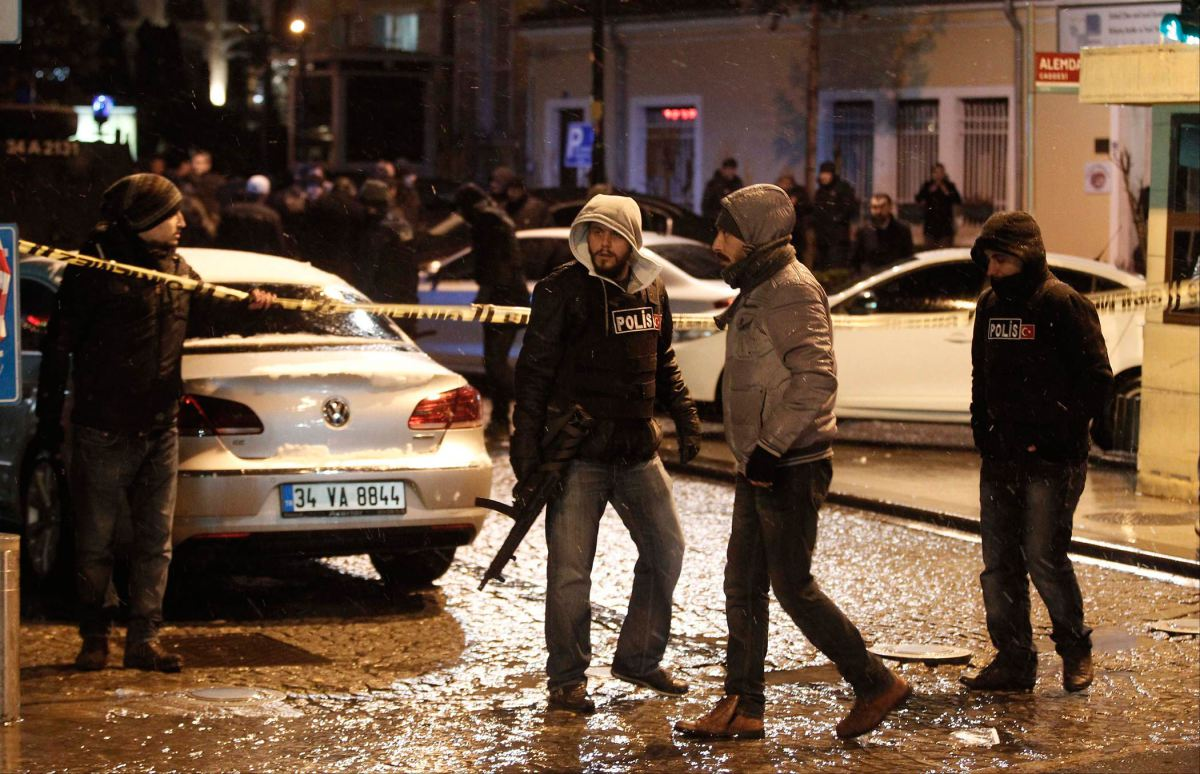 Terrorists attack targets in Istanbul