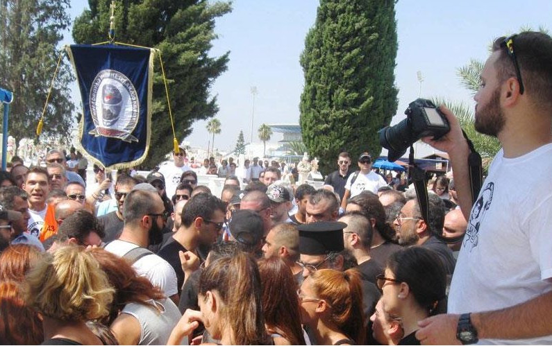 Incidents and jeering at the memorial of Isaac and Solomos