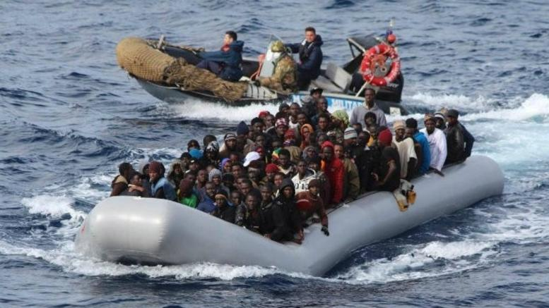 224,000 migrants have reached Greece and Italy in 2015