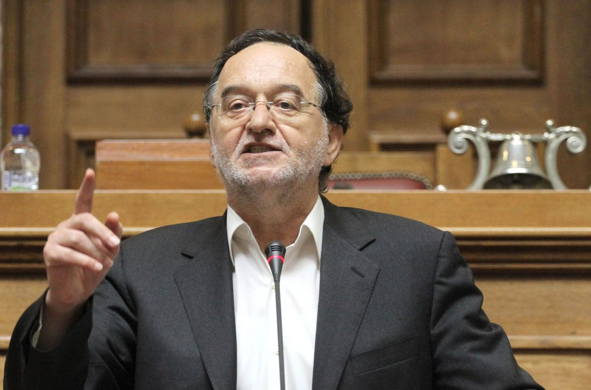 Lafazanis calls SYRIZA MPs to fight so that the government does not to sign the new agreement