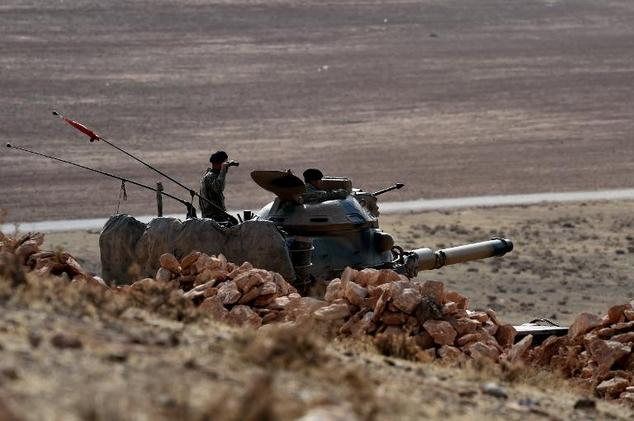 Ankara faced with two open fronts at its southeastern border