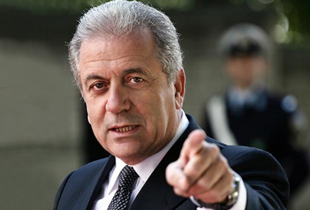 "Avramopoulos: ""Forget the political cost"" on immigration"
