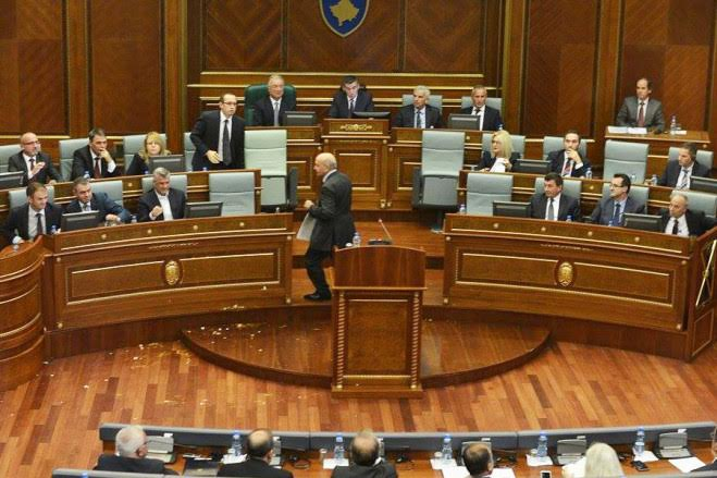 Analysts: Lack of dialogue between majority and opposition damages Kosovo's future