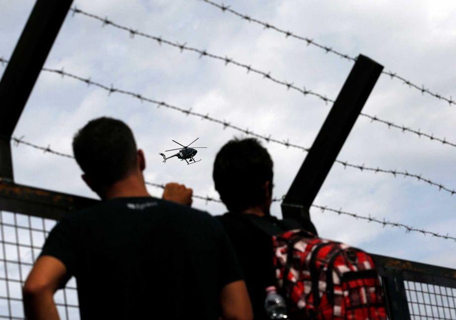 "Hungary's fence ""unfair"", Romania states"