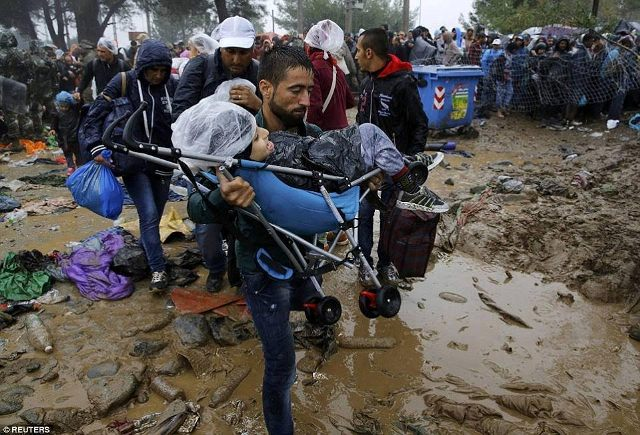 Number of refugees grows, situation on the border deteriorates