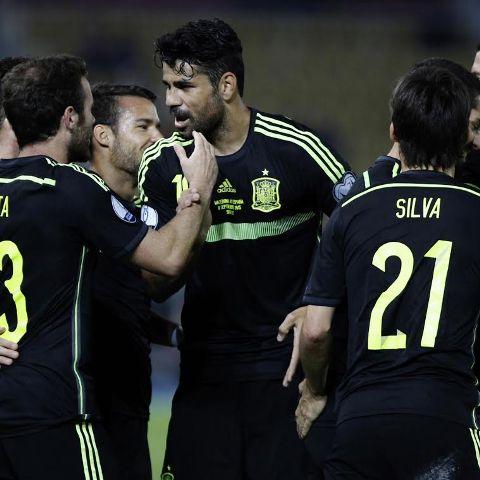 Spain pulls a narrow win over FYROM