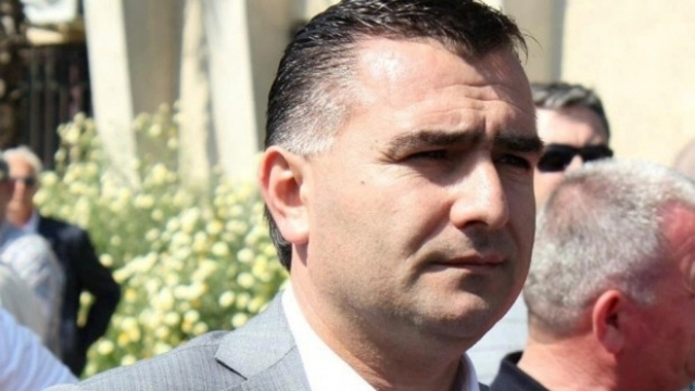 Left wing majority MP gives up his seat in Albania
