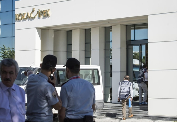 Turkish Police invades two television networks of Gulen