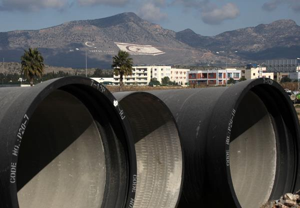 Cypriot Parliament condemns Turkish water pipeline to occupied areas