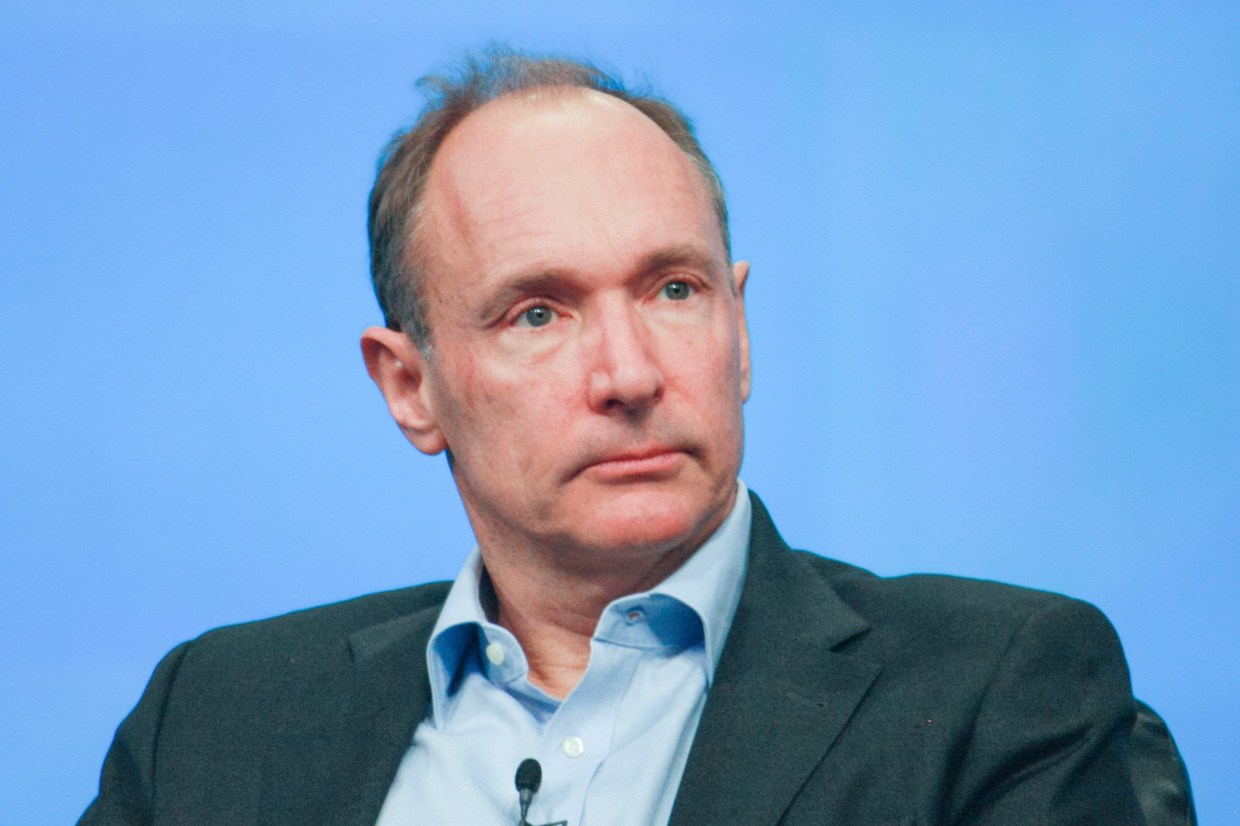 World Wide Web inventor comes to Bucharest